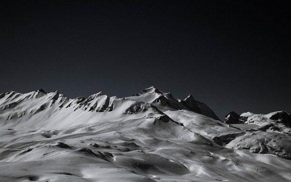 Muntii Carpati reprezinta cel mai mare lant muntos din Europa