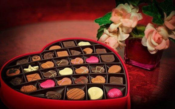 Sfantul Valentin sarbatorit pe 14 februarie (sau denumirea laica de Ziua Indragostitilor) este o sarbatoare catolica?