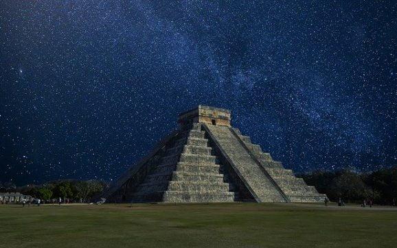 Civilizatia strabuna Maya a prezis ca in anul 2012, se va produce un cataclism la nivel mondial