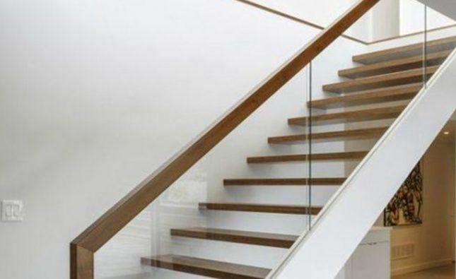 Ce model de balustrada sticla securizata aleg in functie de locul amplasarii sale?