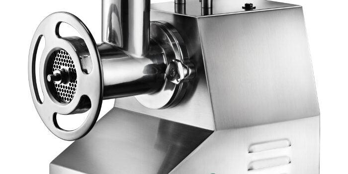 Utilitatea mașinilor de tocat carne în HoReCa