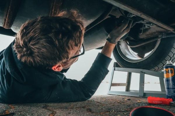 5 semne că ai de-a face cu un service auto serios
